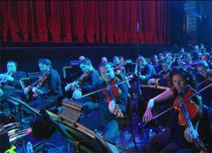 Sony contrata uma orquestra para dar o tom em sua conferência.